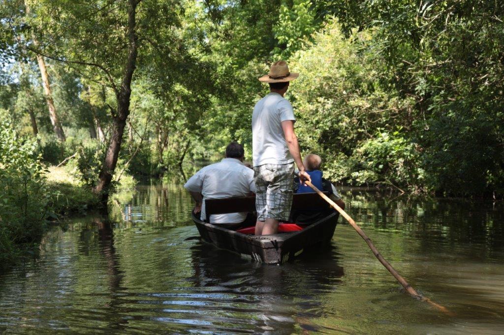 barque sur le Marais Poitevin