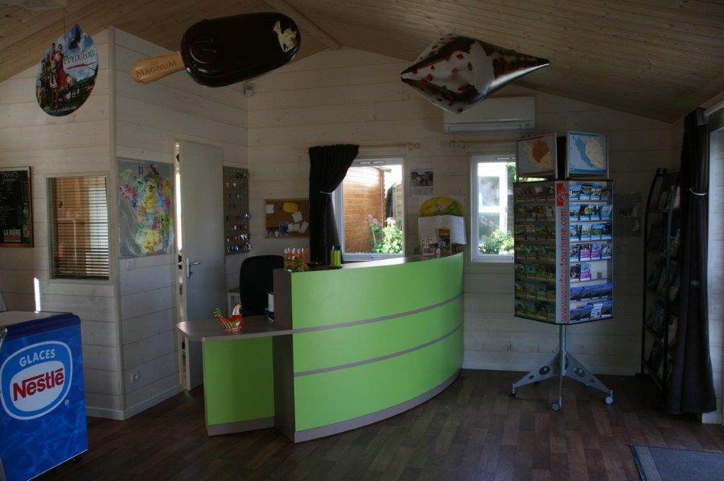 les services camping 3 toiles en vend e mouilleron le captif l 39 ambois. Black Bedroom Furniture Sets. Home Design Ideas