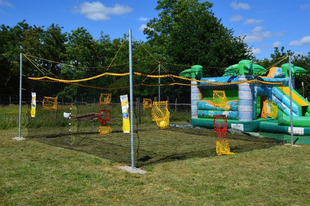 aire de jeux enfants au camping 3 étoiles