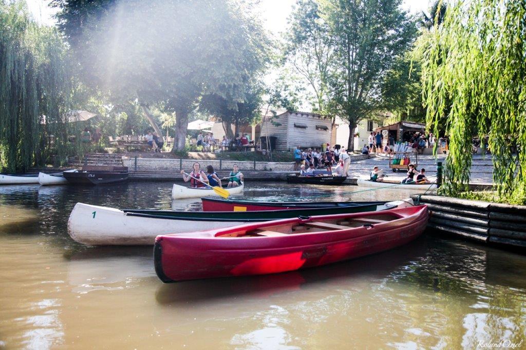 balade en barque au calme du marais poitevin